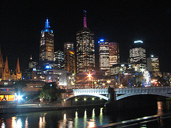 Yarra River At Night (photo: Edwin11 on flickr.com)